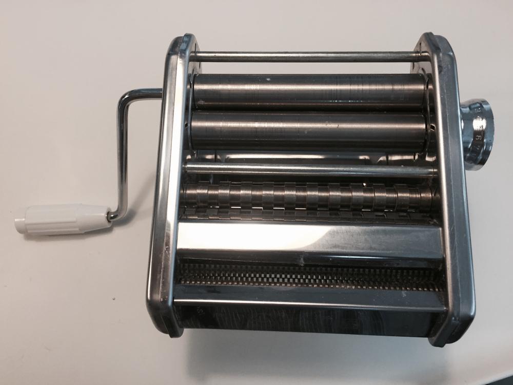 pasta machine top